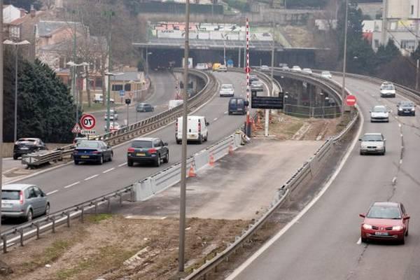 tape-du-tunnel-5e2e6428c0248